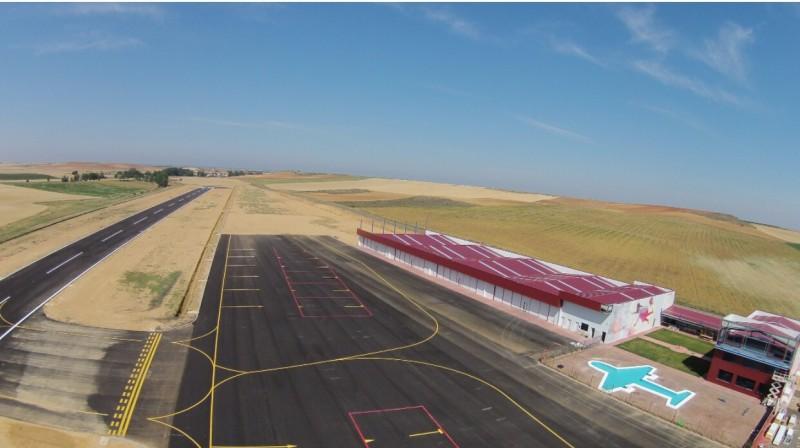 Tecnam en el aeródromo de Los Oteros